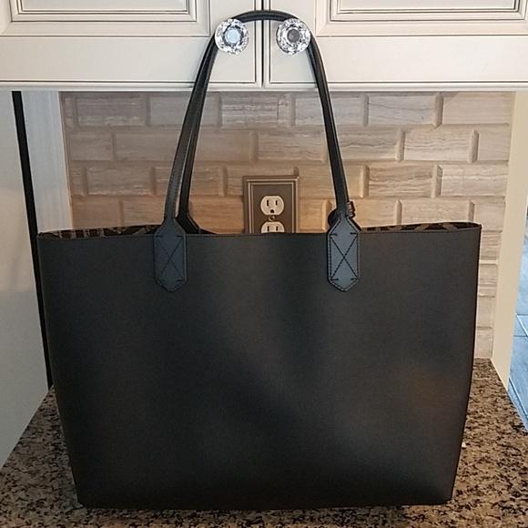 ddc4960ae421dc Gucci Bags | Gg Supreme Reversible Tote | Poshmark